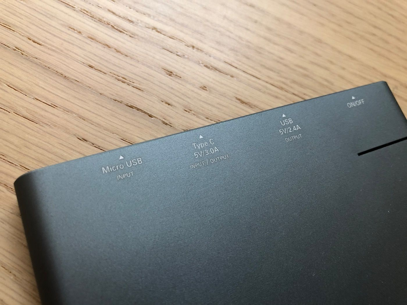 Varta PowerBank Slim 12000mAh ports